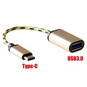 Adattatore OTG che converte  Micro USB in USB tipo C. USB 3.0